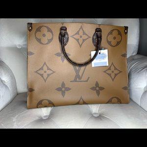Louis Vuitton Monogram Giant Reverse Onthego